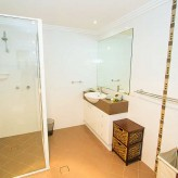 Moorings 1770 bathroom