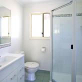Main Queen ensuite