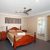 Waite 'n' Sea main bedroom