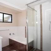 Waite 'n' Sea bathroom
