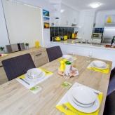 Open dining area 2