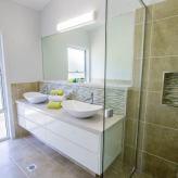 Slipaway main bathroom with shower