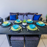 Aqui 308 Balcony Lounge/dining