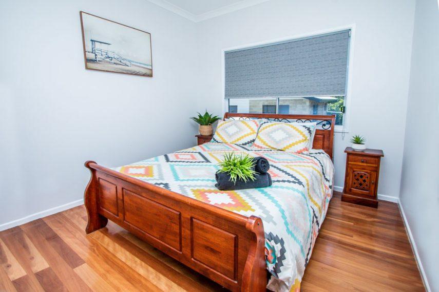 Webster Court Queen Bed